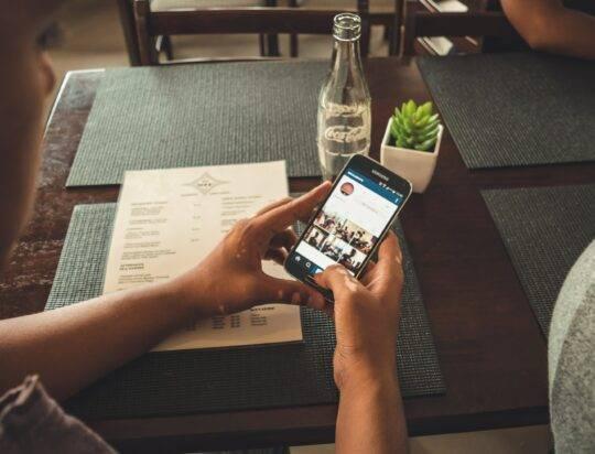 «Попробуйте не писать людям, которые ничего не спрашивали». Как вести себя в соцсетях в Великий пост?