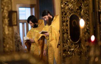Почему священники принимают исповедь и совершают остальные таинства?
